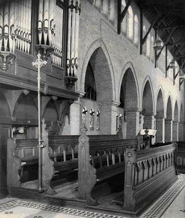 Organ+in+the+Chancel+1930.png