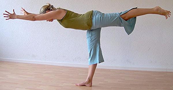 Guerrier III - Lila - Yoga La Joie de Vivre - Nyon - Borex