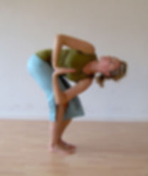 Torsion- Lila - Yoga - La Joie de Vivre - Nyon - Borex