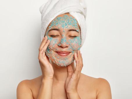 Você costuma esfoliar a pele no inverno?