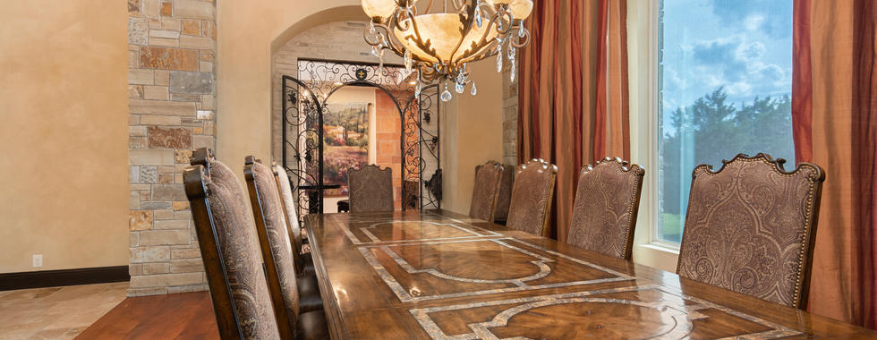 Dining room with View of Tasting Room
