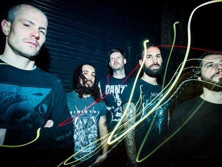 Calligram: Black Metal multinacional com membros brasileiros.