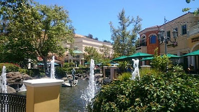 """This is an image of a market place named """"The Commons"""" in  Calabasas, CA"""