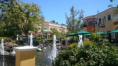 "This is an image of a market place named ""The Commons"" in  Calabasas, CA"