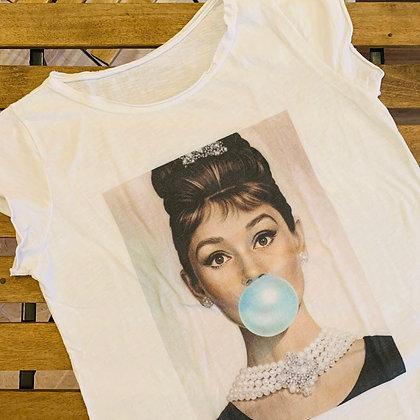Schöne Damen auf schönen T-Shirts