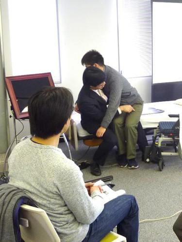 笠原聖吾 理学療法士 LACスクール講師 持ち上げない移乗 腰痛対策 2.JPG