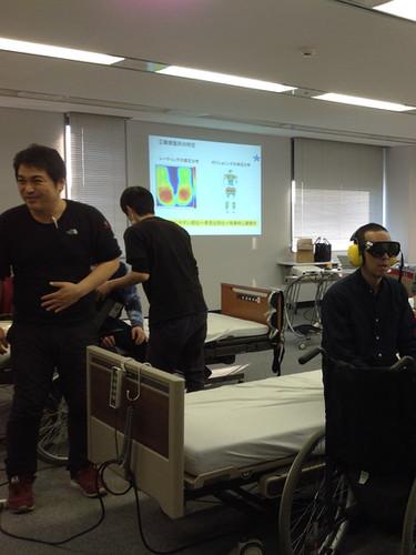 笠原聖吾 理学療法士 LACスクール講師 持ち上げない移乗 腰痛対策11.JPG