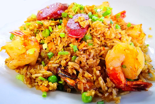 华苑炒饭 Huayuan Fried Rice mit Crevetten & chin. Salami