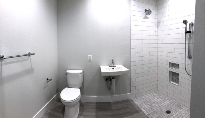 Unit 237.Bathroom.2.jpg