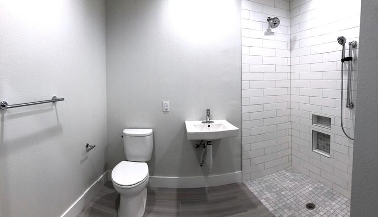Unit 237.Bathroom.2.jpg