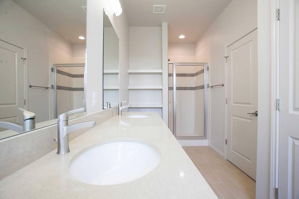 Towns on Cumberland Bathroom