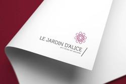 Création d'identité visuelle, logo