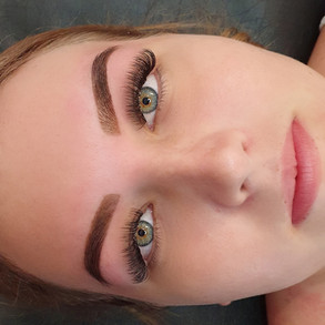 Lashes & Henna Brows