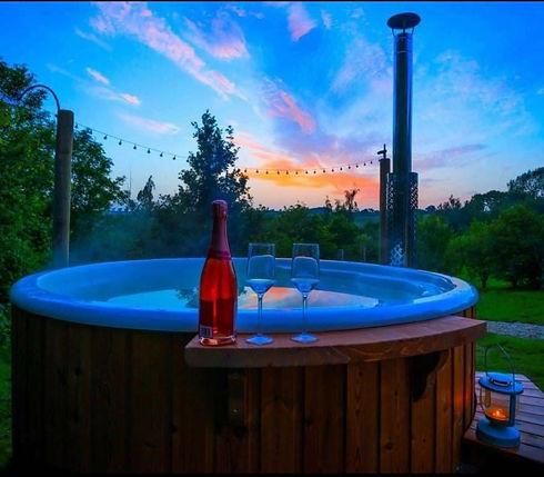 Log burniung hot tub.jpg