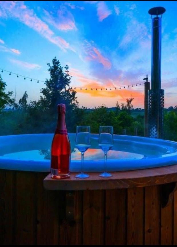 Stargazer Hot Tub Experience