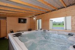 Hot tub in cabin