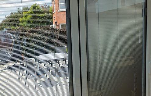 Blinds-Garden-Scene-Open-Closed.jpg