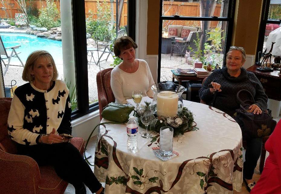Xmas 2017 - Lindsay, Marie & Jan