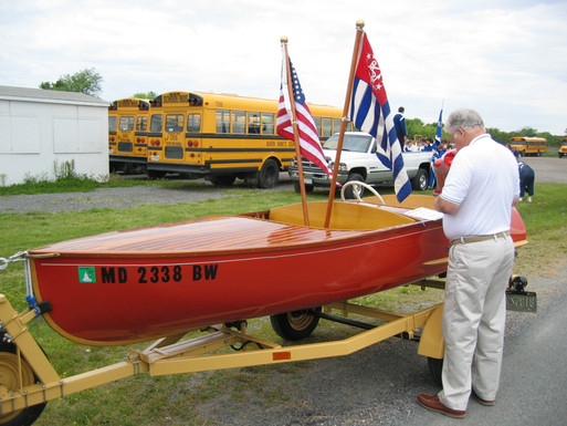 "2006 scott and his piece of ""furniture"" at the kent island days parade with the kent narrows sail and power squadron"