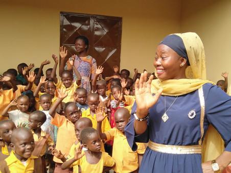 Children and teachers at Guomo 2017