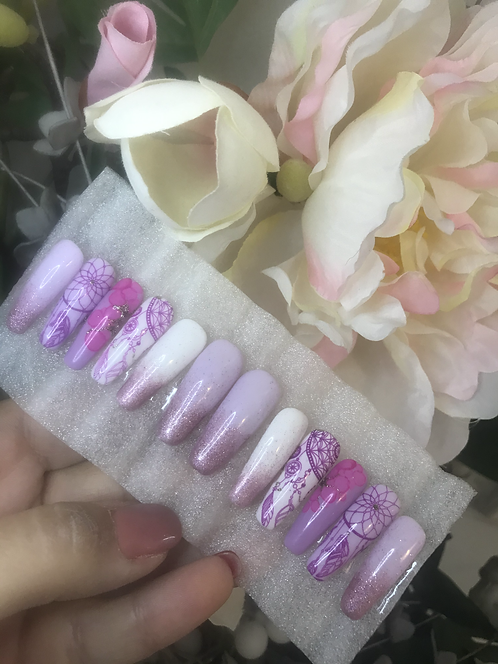 Custom made press-on nails