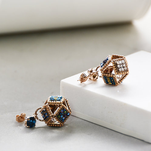 Square form a Sphere Earrings - Blue