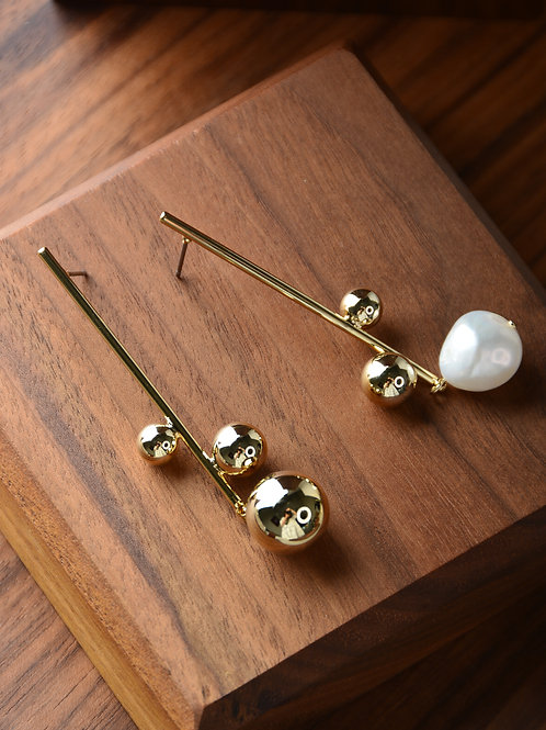 Balls with Pearls Earring