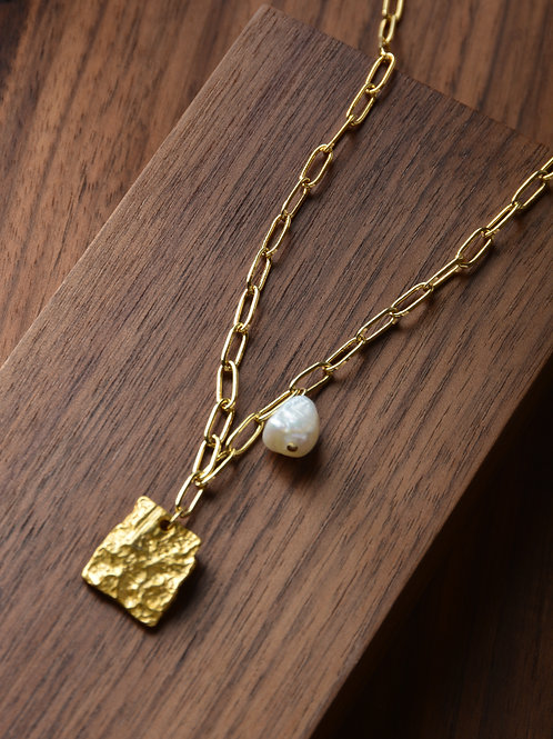 Pearl and Raw Gold Necklace