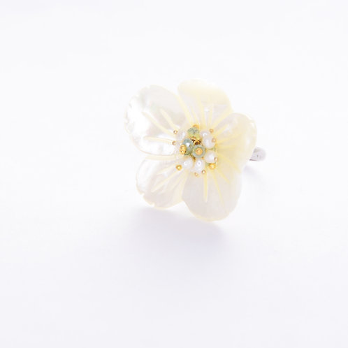 Pearl Floral Stone Ring