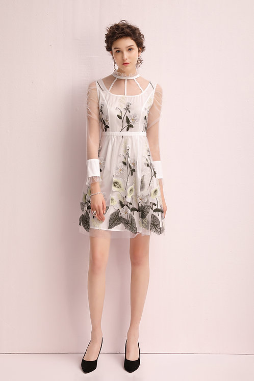 Kylie Embroidery Delicate Dress White