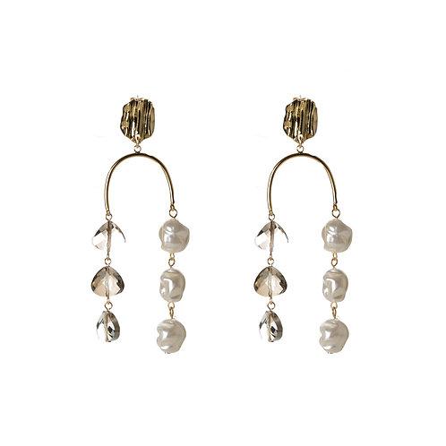 Queen U Hook with Pearl and Crystal Earrings