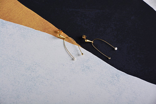 U Hook with Pearl and Gold Earrings