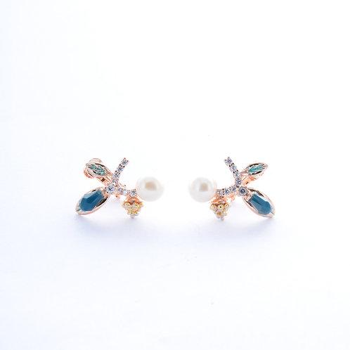 Tien Floral Shaped Pearl Earrings