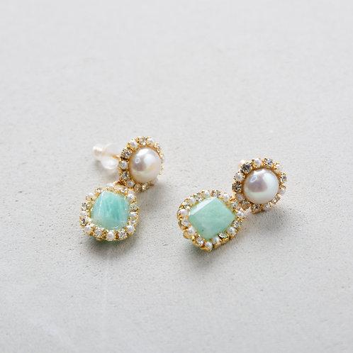 Green Stone Victoria Like Earrings