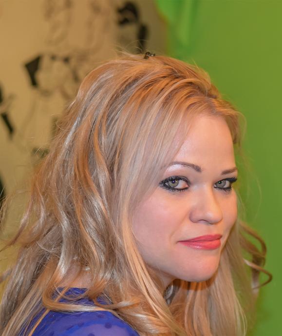 Jennah Karthes im Profil