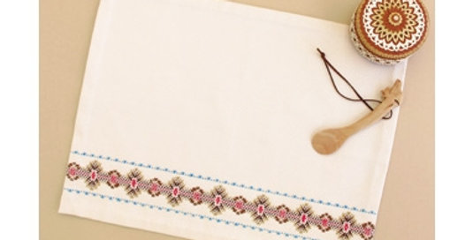 Swedish Embroidery Placemat Kit 16 (SW-16)