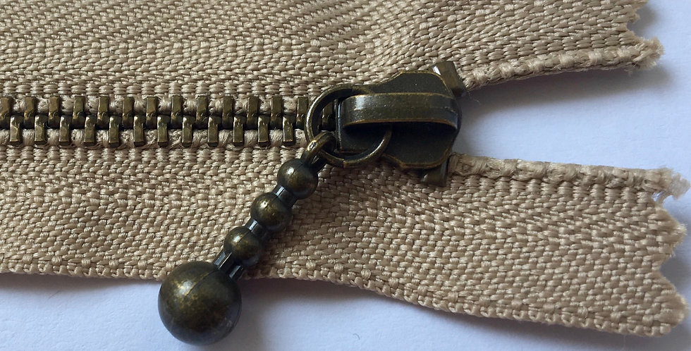 Metal Zippers 25cm (pack of 5) *only available in Mushroom colour