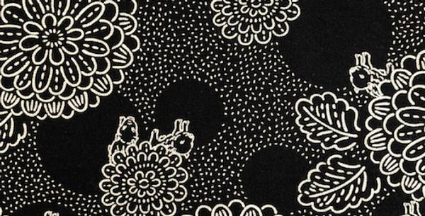 Takumi Fabric Chrysanthemums and piglets Navy 5m 18N-2B