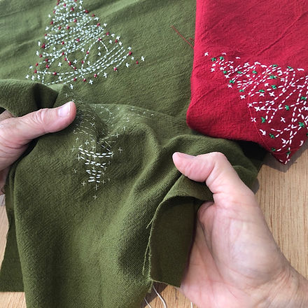 Christmas_Trees_Red_Green_Stitching__210