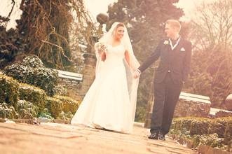 Unobtrusive wedding phtotography
