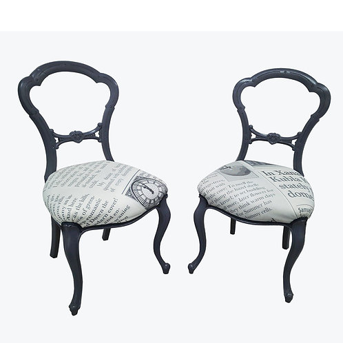 Set of Victorian dining chairs features balloon backrests and cabriole legs