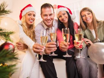 Seas hombreo mujer derrocha glamur en las fiestas decembrinas