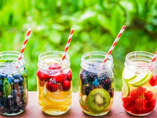 Vence la sed y limpia tu organismo con aguas de sabores