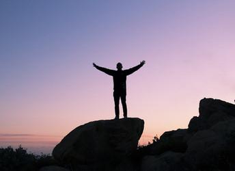 ¿Te falta inspiración? 4 Citas motivadoras para tomar al MUNDO