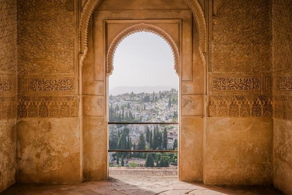 Alhambra photo-1468183654773-77e2f0bb6bf