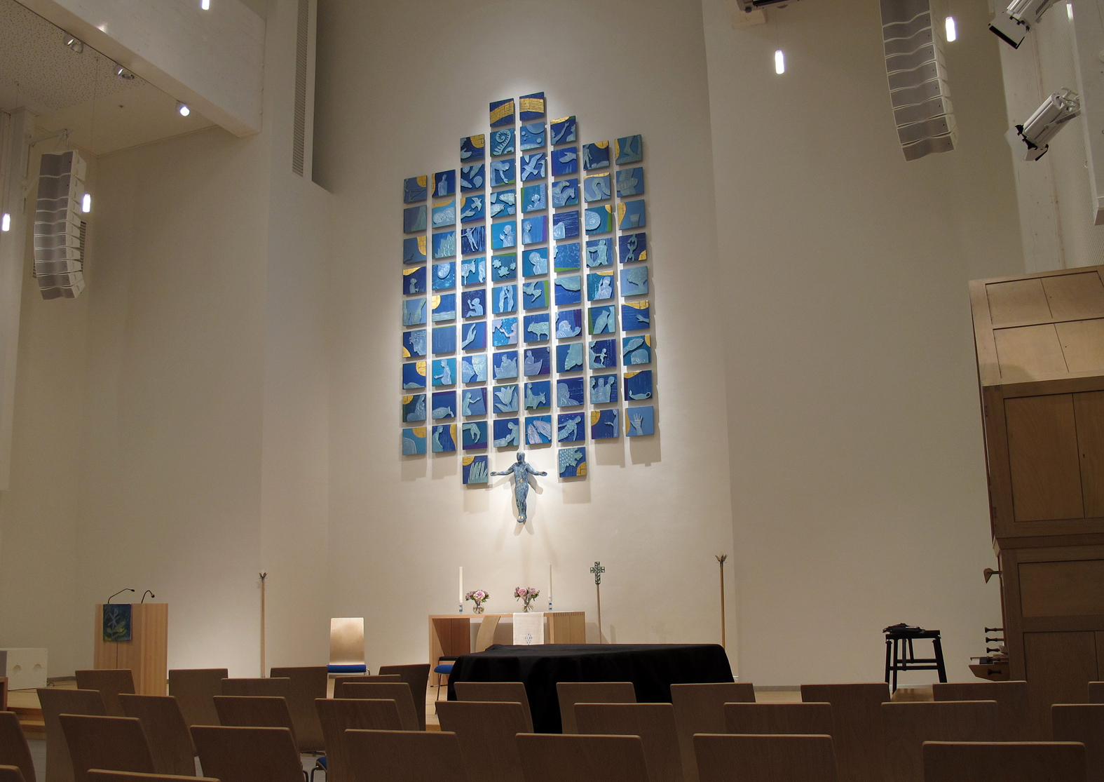 Hunstad kirke, Bodø.