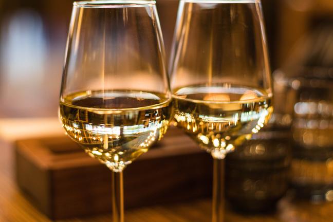 Craft an artistic crisp white wine