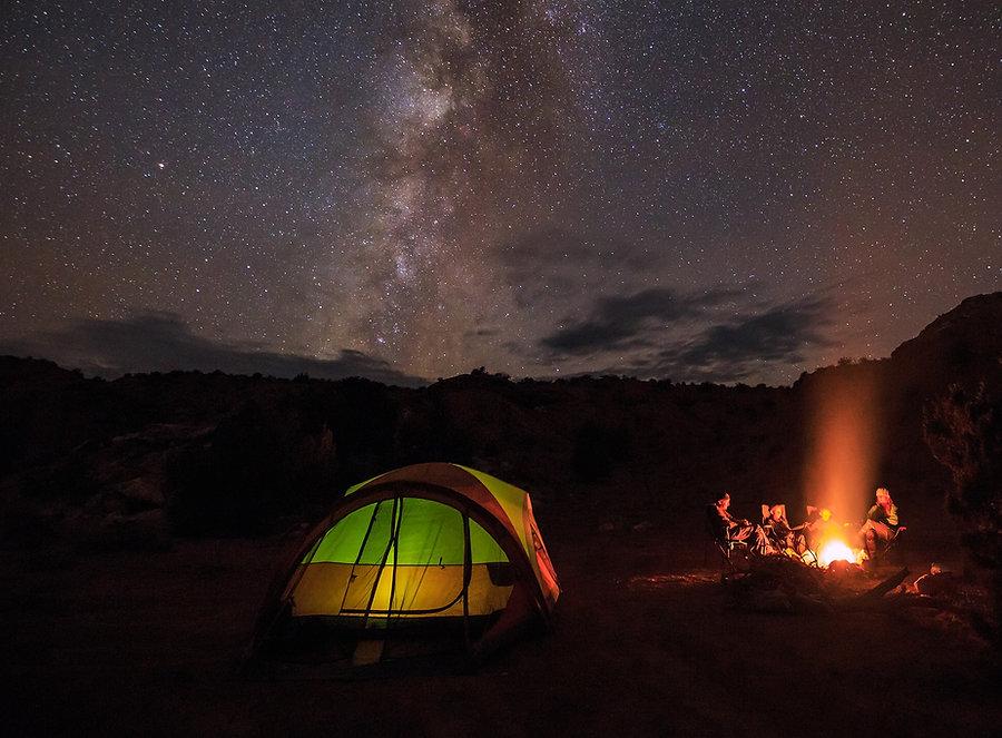 מחנה מדורה וכוכבים.jpg