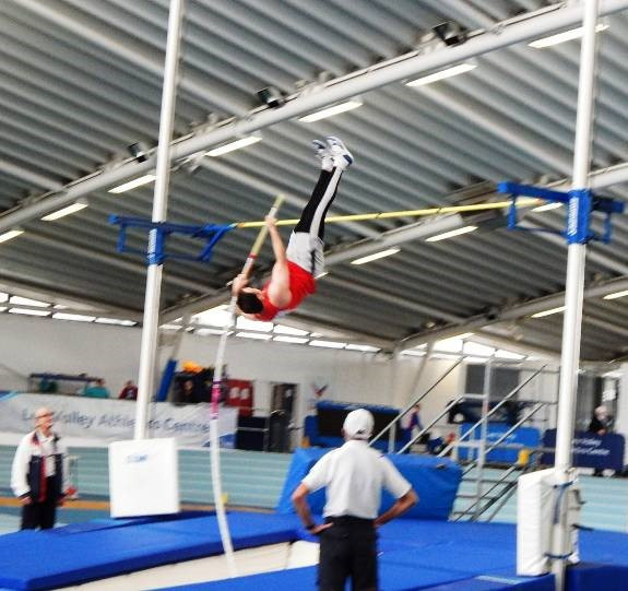 Dave Gordon vaulting 3.50m on a long bendy stick!