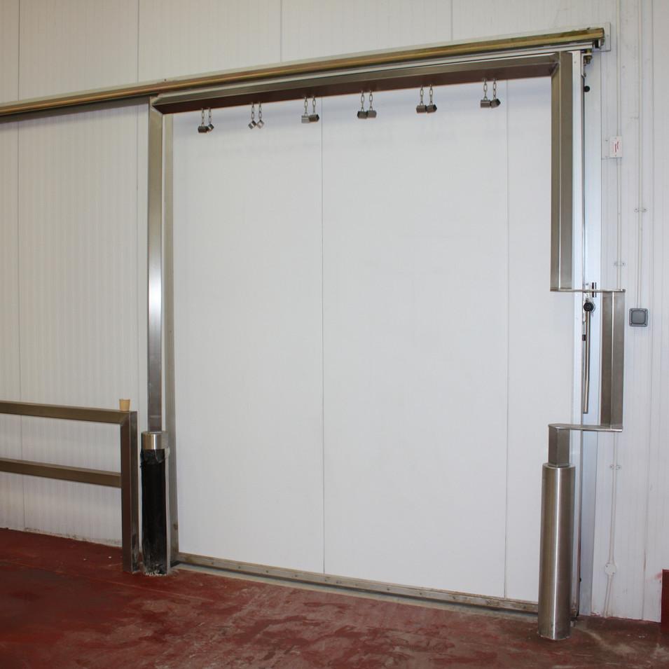 Meat-rail Sliding Door
